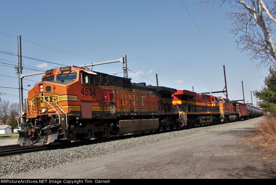 BNSF 4534 on CSX K142